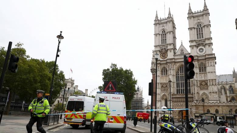 Λονδίνο: Η αντιτρομοκρατική στις έρευνες για το περιστατικό έξω από το κοινοβούλιο