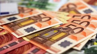 Στα 2 δισ. ευρώ το πρωτογενές πλεόνασμα, εν μέσω παγώματος των δημοσίων επενδύσεων