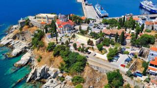 Δεκαπενταύγουστος: Οι Παναγίες της θάλασσας και του βουνού, αιώνιοι φάροι ευλάβειας