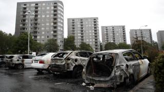 Σουηδία: Πυρπολήθηκαν δεκάδες αυτοκίνητα κατά τη διάρκεια ταραχών