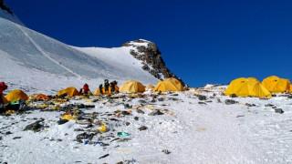 Έβερεστ: Πώς η υψηλότερη κορυφή του κόσμου έγινε ο σκουπιδότοπος των ορειβατών