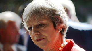 Μέι: Ισχυρή η τρομοκρατική απειλή στη Βρετανία