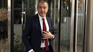 Θεοδωράκης: Τερματίστηκε επιτέλους η παράνομη κράτηση των δύο στρατιωτικών