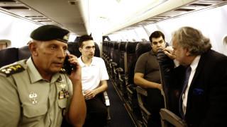 Η πτήση της επιστροφής των δύο Ελλήνων στρατιωτικών