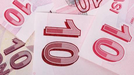 Τουρκία: Αυξάνονται οι δασμοί σε αμερικανικά προϊόντα, συνεχίζεται η πτώση της λίρας
