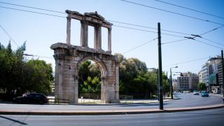 Δεκαπενταύγουστος στην... άδεια Αθήνα