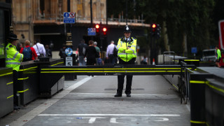 Για τρομοκρατία και απόπειρα ανθρωποκτονίας κατηγορείται ο ύποπτος για την επίθεση στο Γουέστμινστερ