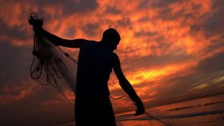 Γάζα: Μία βάρκα φτιαγμένη από πλαστικά μπουκάλια άλλαξε τη ζωή μίας οικογένειας