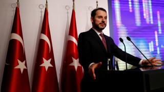 Τούρκος ΥΠΟΙΚ: Μείωση δαπανών και όχι προσφυγή στο ΔΝΤ