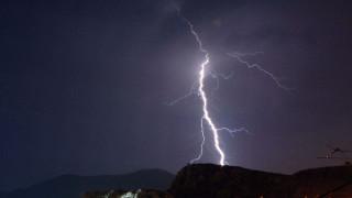 Περισσότεροι από 22.000 κεραυνοί σε Ιόνιο και δυτική Ελλάδα