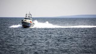 Οινούσσες: Δύο Ελληνοαμερικανοί αγνοούνται στη θάλασσα μετά από ανατροπή λέμβου