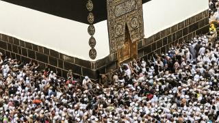 Κοσμοπλημμύρα στη Μέκκα: Πάνω από 2,6 εκατομμύρια προσκυνητές για το Χατζ