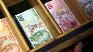Δυσοίωνο το οικονομικό μέλλον της Τουρκίας: Η λίρα, οι κινήσεις Ερντογάν και οι «πρόθυμοι» σωτήρες