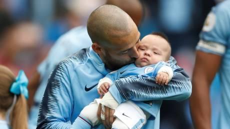 Ο μικρός «μαχητής» που ξεσήκωσε ένα γήπεδο