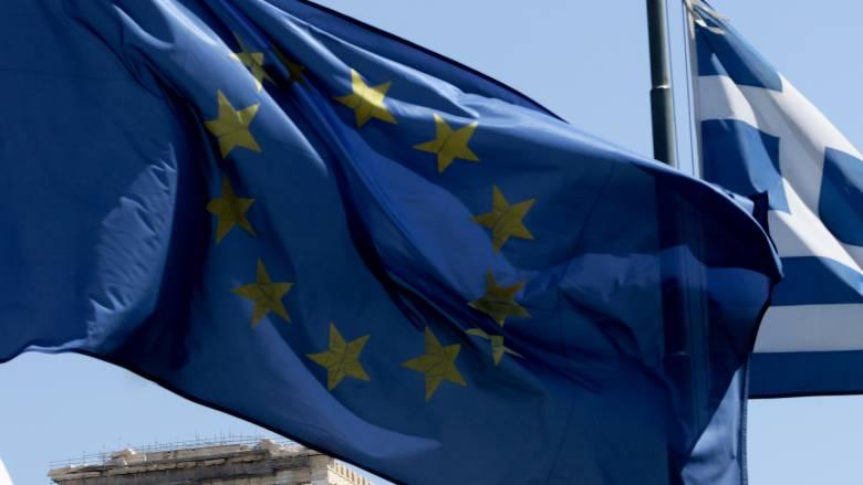 Handelsblatt: Πέντε μύθοι και πέντε λάθη στη διάσωση της Ελλάδας