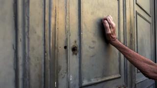 Η Ελλάδα οκτώ χρόνια και τρία μνημόνια μετά