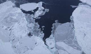 Ρωγμές στο πιο παχύ στρώμα πάγου του πλανήτη-Η κλιματική αλλαγή «μεταμορφώνει» την Αρκτική