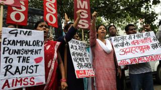 Καταδικάστηκαν σε θάνατο βιαστές ενός ανήλικου κοριτσιού στην Ινδία