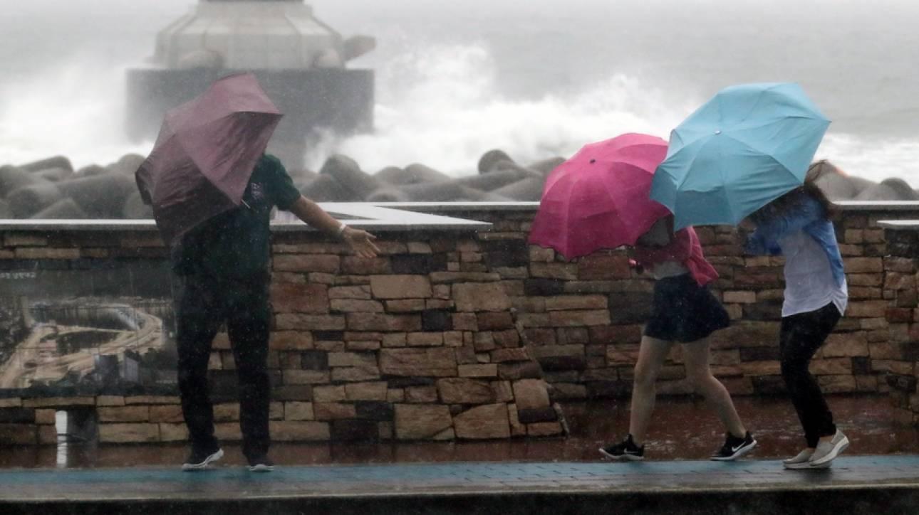 Σε κατάσταση συναγερμού η Χαβάη ενόψει του τυφώνα Lane