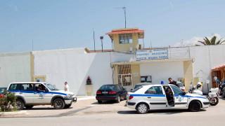 Αποκλειστικό: Περίεργη υπόθεση στις φυλακές Πάτρας -  Τι βρήκαν αντί για πυρίτιδα μέσα σε φυσίγγια
