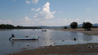 Σε χαμηλό ρεκόρ της στάθμης του ποταμού Δούναβη - Προβλήματα στη ναυτιλία
