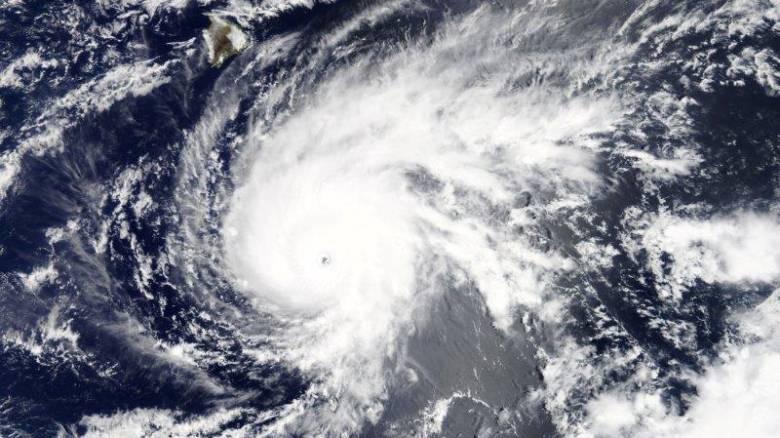 Η Χαβάη προετοιμάζεται για την έλευση του τυφώνα Λέιν