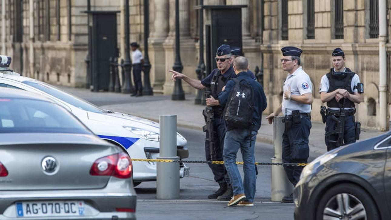Ένας νεκρός και δύο τραυματίες σε επίθεση με μαχαίρι στο Παρίσι