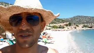 «Θύελλα» αντιδράσεων μετά από το ρατσιστικό παραλήρημα επιχειρηματία από ελληνική παραλία