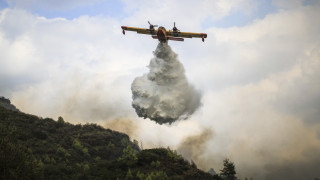 Μαίνεται η πυρκαγιά στην Κέρκυρα - Εκκενώθηκε προληπτικά χωριό