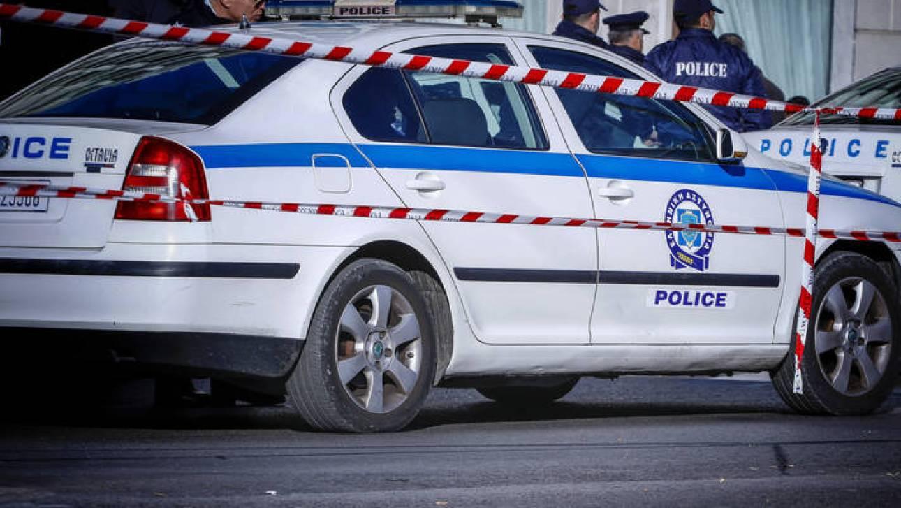 Παραδόθηκε ο άνδρας που απειλούσε να αυτοπυρποληθεί έξω από γραφεία ΜΚΟ στην Πάτρα
