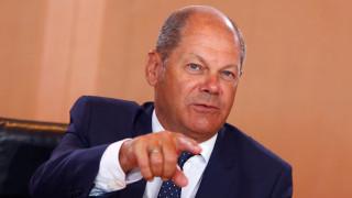 Προειδοποίηση Σολτς για την περικοπή συντάξεων: Οι συμφωνίες πρέπει να τηρούνται