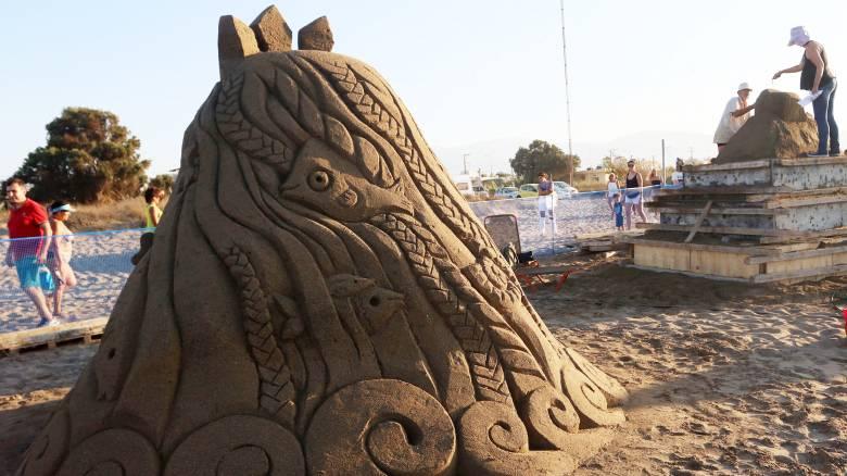 Αμμουδάρα: Γλυπτά από… άμμο μαγεύουν ντόπιους και τουρίστες