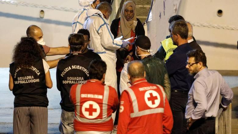 Ιταλία: Αποβιβάστηκαν για λόγους υγείας 16 από τους 150 μετανάστες που επιβαίνουν στο Diciotti