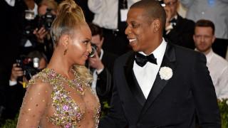 Το απρόοπτο στο σόου των Beyonce-Jay Z στην Ατλάντα: Θαυμαστής ανέβηκε στη σκηνή