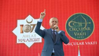 Ερντογάν: Αν δείξουμε αδυναμία, θα πέσουν πάνω μας σαν κοράκια