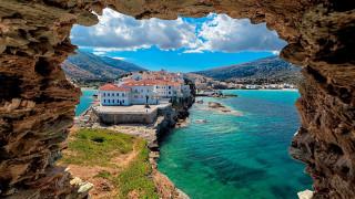 Άνδρος: Το ιστορικό νησί των εφοπλιστών και των καπετάνιων