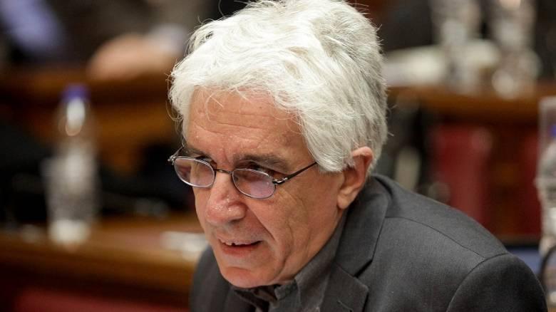 Παρασκευόπουλος για Φλώρο: Το μυθιστόρημα περί ευθύνης του νόμου ξεφεύγει της σοβαρότητας