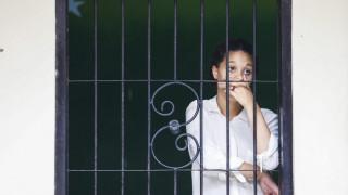 Ινδονησία: Απελευθερώνεται 15χρονη θύμα βιασμού που φυλακίστηκε γιατί έκανε άμβλωση