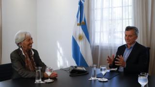 Αργεντινή: Καταρρέει το πέσο, επιστρέφει το ΔΝΤ