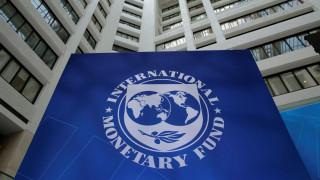 Επιμένει στην περικοπή των συντάξεων το ΔΝΤ