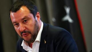 «Αντί να κάνει μαθήματα, ας ανοίξει τα σύνορα»: Αιχμές Σαλβίνι προς τον Γάλλο πρόεδρο