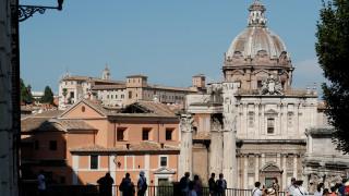 Κατέρρευσε η οροφή ιστορικής εκκλησίας στο κέντρο της Ρώμης