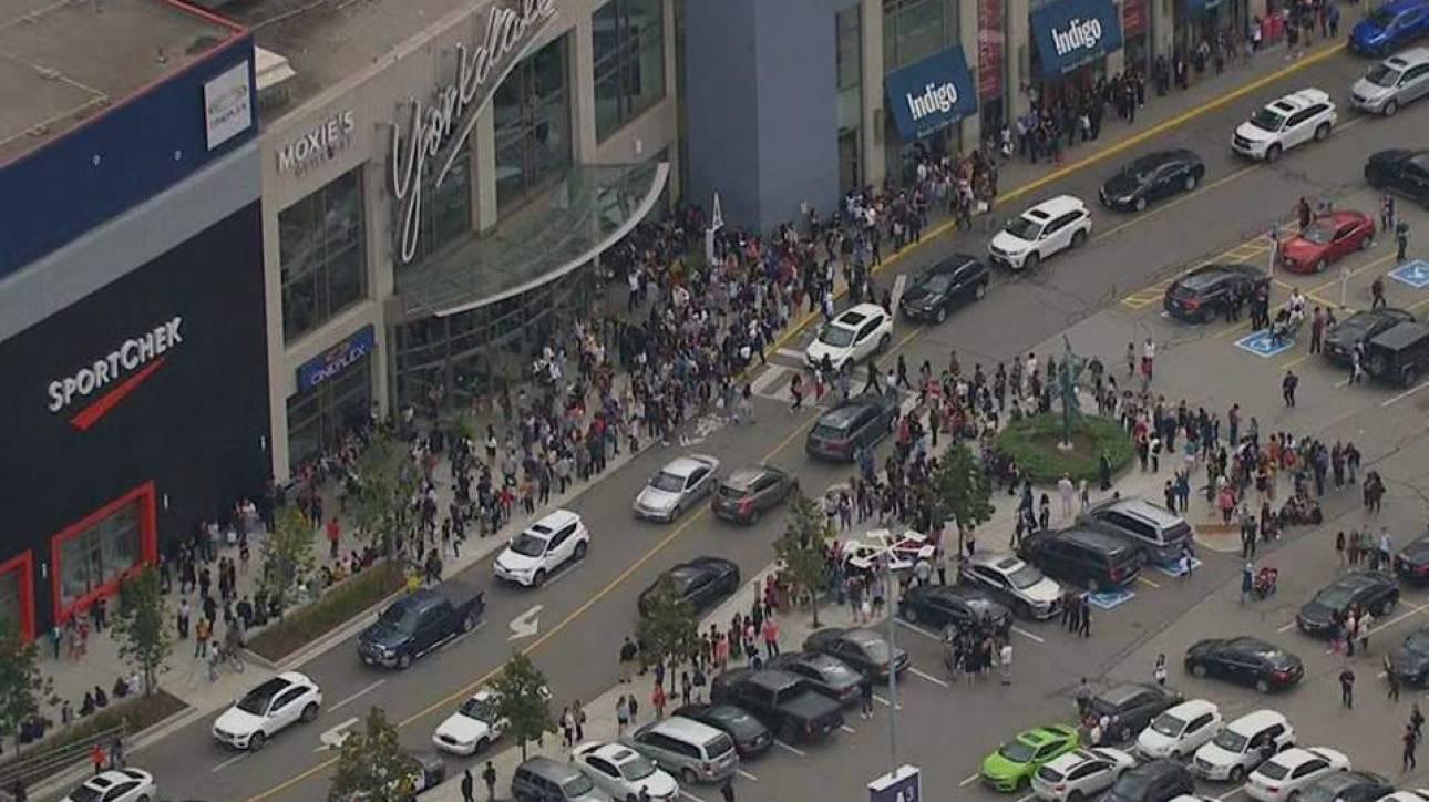 Τορόντο: Σε συμπλοκή μεταξύ ομάδων οι πυροβολισμοί στο εμπορικό κέντρο