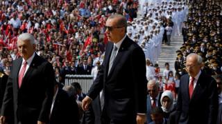 Ερντογάν: Στόχος συντονισμένης επιχείρησης η τουρκική λίρα