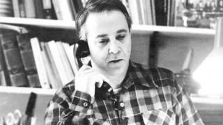 Αντί στεφάνου: οι επιστολές, ο φόνος & η αλήθεια του Kώστα Ταχτσή 30 χρόνια μετά το θάνατο του