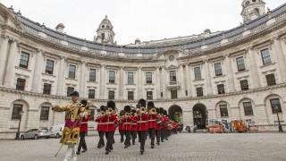 Αρίθα Φράνκλιν: Μουσικός φόρος τιμής στη «βασίλισσα της soul» από τη Βρετανική Βασιλική Φρουρά