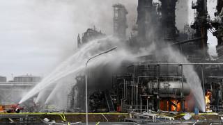 Υπό έλεγχο η πυρκαγιά στο διυλιστήριο στη Γερμανία – Δέκα οι τραυματίες