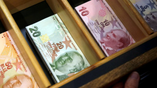 Bloomberg: Σήμερα το crash test για την τουρκική λίρα