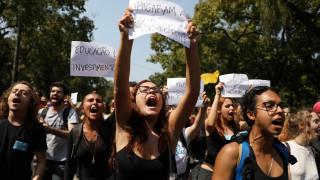 «Δεν αρκεί να κλαίμε»: Οργή και θρήνος στη Βραζιλία για την καταστροφή του Εθνικού Μουσείου