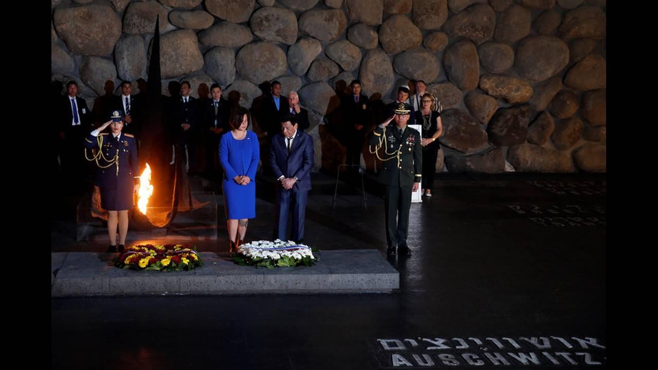 https://cdn.cnngreece.gr/media/news/2018/09/03/145312/photos/snapshot/2018-09-03T140029Z_1034027482_RC1ACC622960_RTRMADP_3_ISRAEL-PHILIPPINES-DUTERTE.jpg
